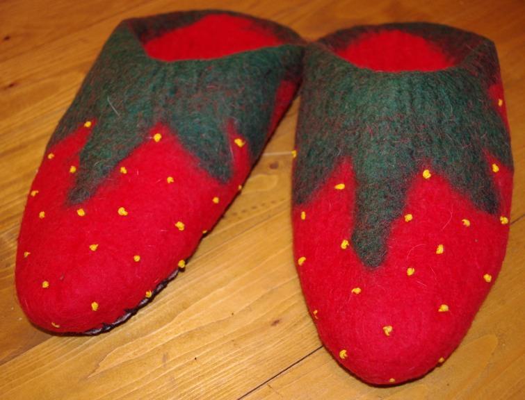 Fruchtigen erdbeerpuschen verwöhnen deine füße